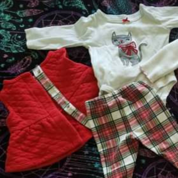 Carters 3 piece 3 month old outfit